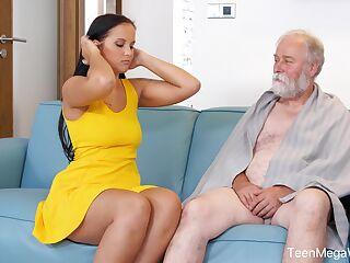Curvy Porn Videos
