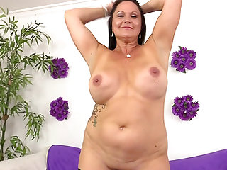Nackt jung dick Teen Pussy