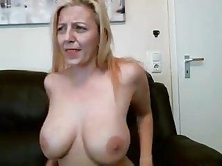 zdarma chlupatá kočička creampie porno