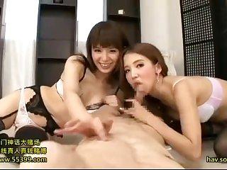 asijské lesbické orgie