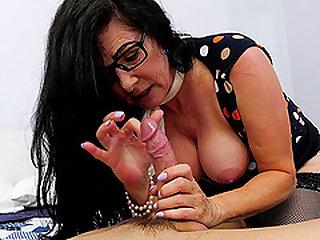 Alexandra wett nackt