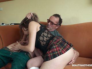 Lesbické močení orgie