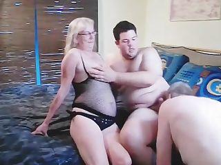 Women shaking booty nude