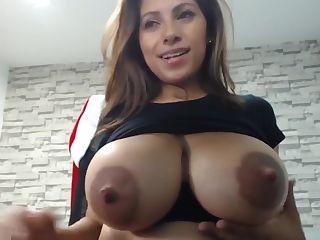 Sledujte Massage Rooms Sensual slick sex with busty horny blonde Nathaly Cherie na té nejlepší hardcore pornostránce.