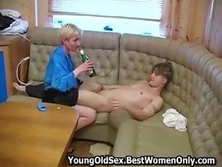 zdarma krátké MILF porno
