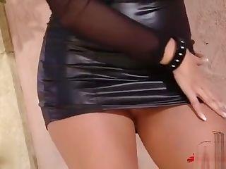 latex big boob mädchen