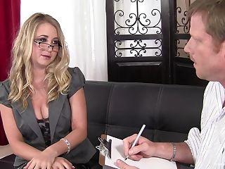 Blonde Stiefschwester Brille
