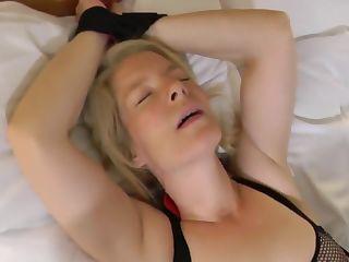 blonde gefesselt porno pics